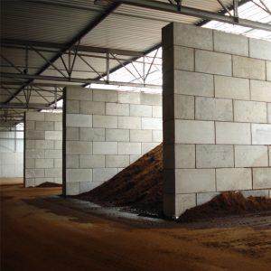 Image de murs de séparation en blocs modulables pour stocker des matériaux en vrac