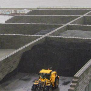 Image d'un espace de stockage pour marchandises en vrac sur un site de construction